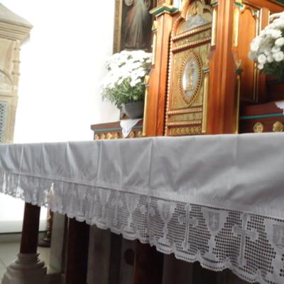 obrusy kościelne z lnu lub bawełny